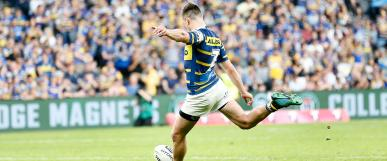 Eels player kicking the ball